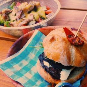 Makamaka Beach BurgerCafé